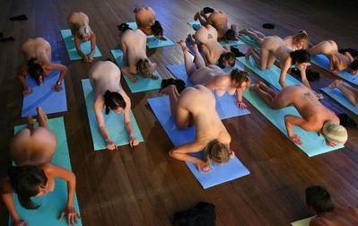 Will yoga bugil