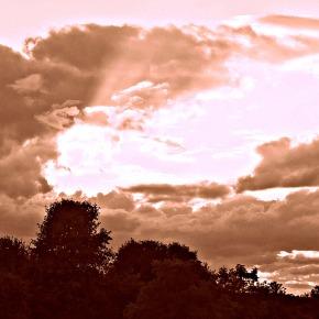 Like sunlight piercingcloud